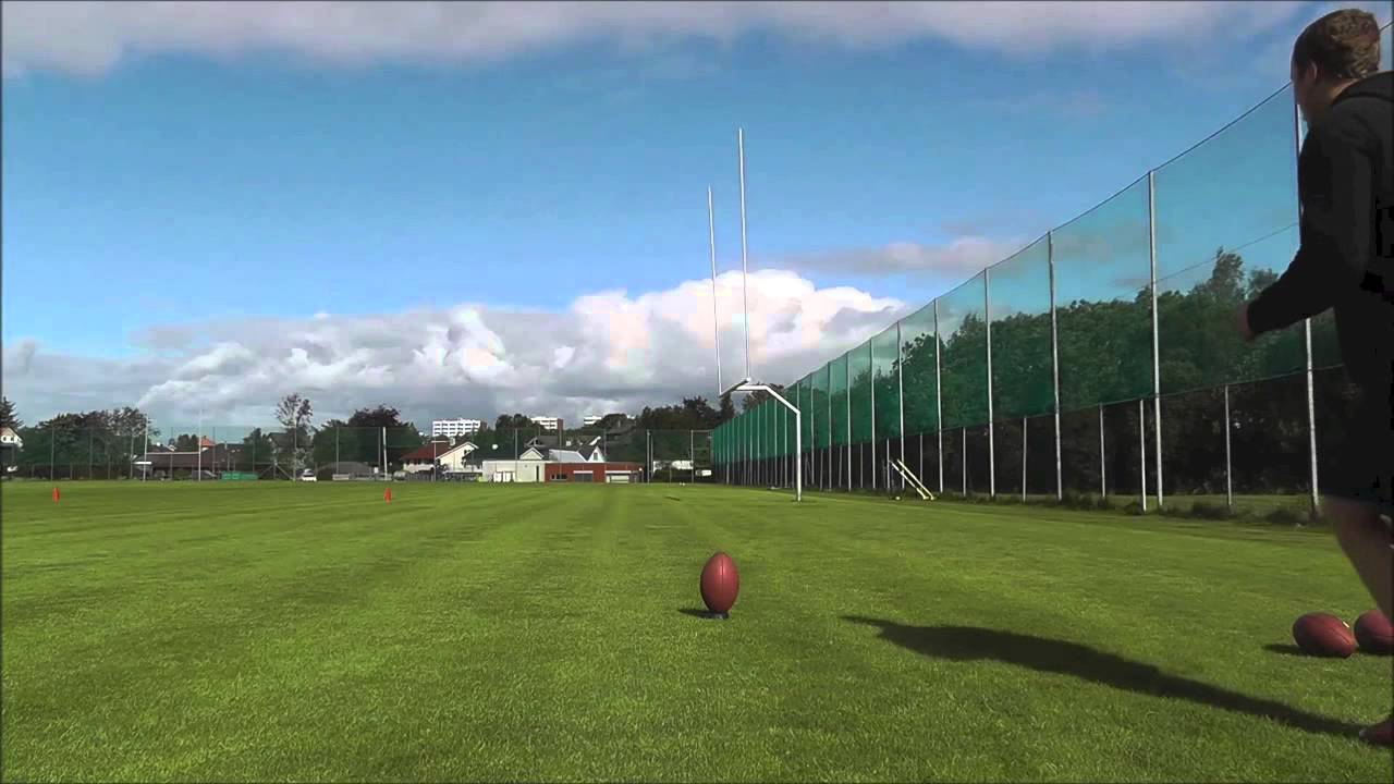 Awesome Football Kicker – Impressive Trick Shots