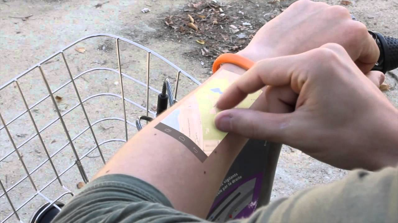 Futuristic Bracelet Turns Your Arm Into a Touch Screen